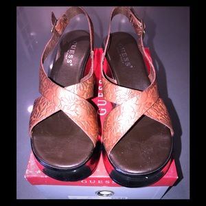 Platform guess sandals